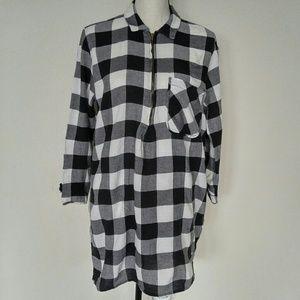 Zara Basic Black and Ivory Tunic